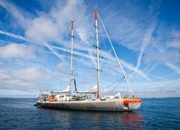 Tara , la goélette scientifique se refait une beauté à Lorient-Keroman avant son grand départ prévu en juin 2019