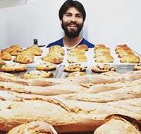 Dans le Calvados, Thomas Pasturel fait du pain bio dans son Fournil 1672 et renoue avec la noblesse d'un métier ancestral