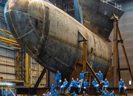 Du 5 au 26 novembre 2019, le photographe Sylvain Bonniol expose les chantiers navals de Saint-Nazaire à Paris