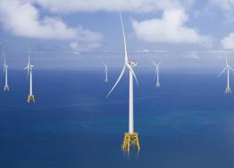 En inaugurant l'usine LM Wind Power  le 6 novembre 2019, Cherbourg-en-Cotentin s'impose comme la place centrale de la filière de l'éolien en mer