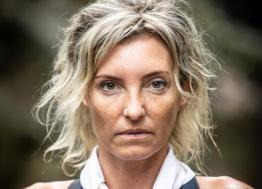 """La coiffeuse caennaise Carinne Fossey s'envolera pour l'Islande le 23 janvier 2020 afin de participer au raid humanitaire """"Destination Iceland"""" organisé par """"Défi d'Elles"""""""