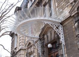 Dans l'Aube, Dichamp est une miroiterie centenaire de la ville de Troyes