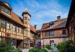 In the Aube region, the city of Troyes organizes cultural activities all summer long